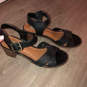 Steve Madden heeled sandals size 8